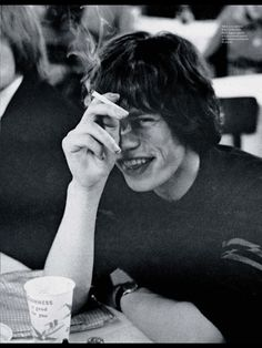 Find images and videos about black and white, rolling stones and mick jagger on We Heart It - the app to get lost in what you love. Mick Jagger Quotes, Mick Jagger Wife, Mick Jagger Dancing, Mick Jagger Young, The Rolling Stones, Mick Jagger Rolling Stones, Alain Delon, Mick Jagger Children, Moves Like Jagger