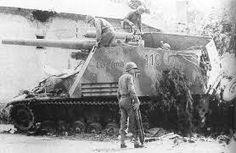 ", immatriculé 110 est baptisé "" Clausewitz "" de la Batterie, I. Canadian Soldiers, American Soldiers, Ww2 Panzer, Self Propelled Artillery, Saint Denis, Ww2 Tanks, Battle Tank, World Of Tanks, Military Weapons"