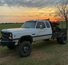 Truck Flatbeds, Ram Trucks, Dodge Trucks, Diesel Trucks, Pickup Trucks, Welding Trucks, Welding Rigs, Custom Truck Beds, Custom Trucks