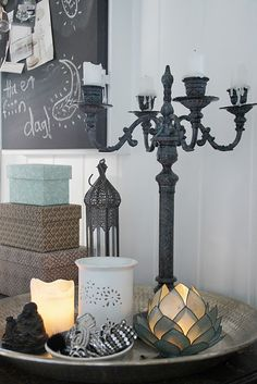 Ideas para decorar con bandejas   La Garbatella: blog de decoración de estilo nórdico, DIY, diseño y cosas bonitas.