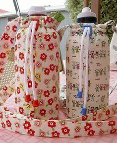 como hacer un bolso para una botella de agua.