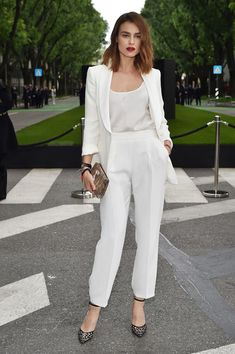Kasia Smutniak Photos Photos - Kasia Smutniak attends the Giorgio Armani Anniversary Silos Opening And Cocktail Reception on April 2015 in Milan, Italy. - Giorgio Armani Anniversary - Silos Opening And Cocktail Reception - Arrivals Business Outfit Damen, Business Outfits, Business Fashion, White Blazer Outfits, All White Outfit, White Blazers, Black Outfits, Outfit Jeans, Work Outfits