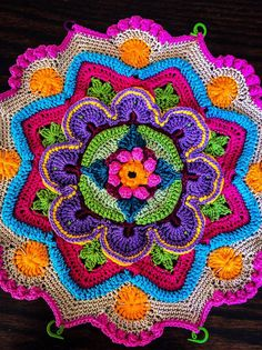 Mandala Madness interpeted by Johanna from FB CCC group – majumo al - Crochet Motif Mandala Crochet, Art Au Crochet, Crochet Pillow, Crochet Home, Love Crochet, Crochet Doilies, Crochet Flowers, Crochet Stitches, Crochet Afghans