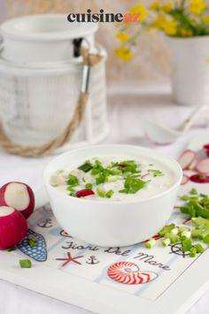 Une idée de potage de printemps car il est aux radis nouveaux. #recette#cuisine#potage#soupe #radis Panna Cotta, Pudding, Ethnic Recipes, Desserts, Food, Cream Soups, Recipes, Tailgate Desserts, Dulce De Leche