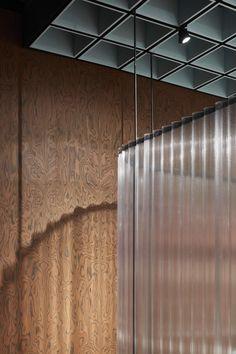 OMA& design for knoll pavilion at salone del mobile 2018 desognboom False Ceiling Living Room, Ceiling Design Living Room, False Ceiling Design, Design Hotel, Office Light, Interior Architecture, Interior Design, Ceiling Detail, Retail Interior