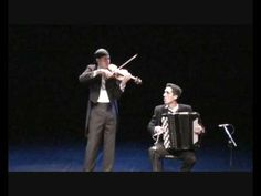 Piazzola - Libertango, pelo Duo violiNOacordeão