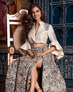 New and Stylish Design of Lahenga Choli. Lehenga Designs, Saree Blouse Designs, Indian Wedding Outfits, Indian Outfits, Indian Attire, Indian Designer Outfits, Designer Dresses, Lehnga Dress, Indian Gowns Dresses