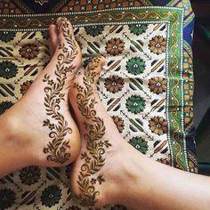 #mehendi #henna #feet #design #floral #flowers # leaves #beautiful
