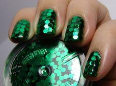 Green Hex Glitter Mani