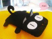 Funda para movil de gatito negro de fieltro
