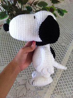 Snoopy Inspired Dog Amigurumi by Amanda L. Girão - $3.95 USD via Ravelry