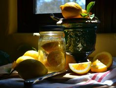 Atelier Cecilia Rosslee: CUISINE -- I'd love to figure out how to preserve the lemons like she did in this picture, but I don't really get her website; it's hard to navigate. I do, however, love this picture of the lemons. Canning Recipes, Wine Recipes, Cooking Bread, Preserved Lemons, Good Food, Yummy Food, Homemade Biscuits, Lemon Recipes, I Foods