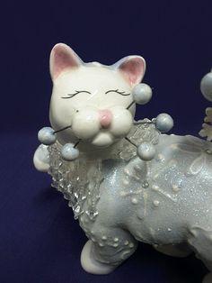 2004 Lacombe White Snowflake Cat Figurine 87108 Missing Whisker | eBay