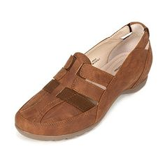 Cliffs SAMOA Womens Flat Tan Smooth  65 M *** Check out the image by visiting the link.