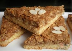 These nut corners are addictive - Backen - Bread Recipes White Chocolate Chip Cookies, Mint Chocolate Chips, Chocolate Recipes, Healthy Dessert Recipes, Easy Desserts, Cookie Recipes, Bread Recipes, Baileys Cake, Banana Bread French Toast