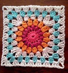 Sunburst Granny Squares pattern by Priscilla Hewitt : Sunburst Granny Square: free pattern Grannies Crochet, Crochet Squares Afghan, Granny Square Crochet Pattern, Crochet Blocks, Crochet Blanket Patterns, Knit Or Crochet, Granny Squares, Granny Granny, Crochet Mandala