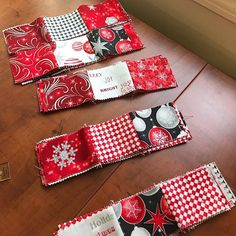 If anyone is looking for a quilt that sews up fast this one is it! It would be great for scraps too! I love these Christmas fabrics. Quilting Tips, Quilting Tutorials, Quilting Projects, Quilting Designs, Sewing Projects, Sewing Ideas, Sewing Crafts, Diy Crafts, Quilt Blocks Easy