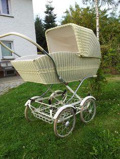 . Pram Stroller, Bassinet, Baby Strollers, Vintage Pram, Baby Prams, Fashion History, Kids And Parenting, Restoration, Dolls