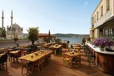 the house cafe, Ortakoy, Istanbul, Turkey. Istanbul Restaurants, Istanbul Hotels, Istanbul Travel, Palais De Dolmabahçe, Grand Bazar, Places To Travel, Places To Visit, Cafe House, Hagia Sophia