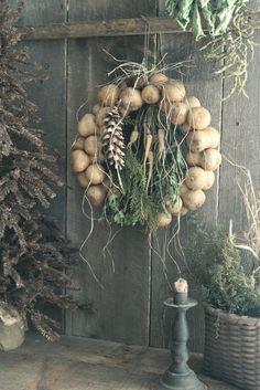 Dried Gourd Wreath w Parsnips Pinecone