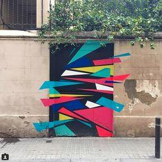 #doorsofinstagram #doors #architecturephotography Barcelona, Spain