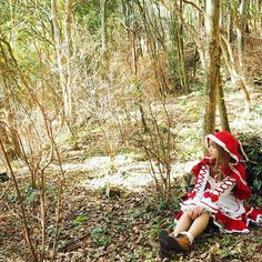 【wata_amechan】さんのInstagramをピンしています。 《森の中でひと休み🐺🍃🌱 #優木苗 #ガールフレンド仮 #otaku #anime #コスプレ #コスプレイヤー #コスプレイヤーさんと繋がりたい #cosplay #cosplayer #cosplaygirl #赤ずきん #kawaii #kawaiigirl #followme  #cos #青カラコン  #写真撮ってる人と繋がりたい #Japan #Japancosplay  #花 #お花畑 #森  #花畑 #flower #自然 #写真好きな人と繋がりたい #写真撮ってる人と繋がりたい #レースアップ #フリフリ #ロリータファッション #木》