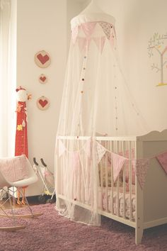 #cradle #cuna Baby Bedroom, Baby Boy Rooms, Kids Bedroom, Baby Decor, Kids Decor, Romantic Bedroom Lighting, Girls Princess Room, Newborn Room, Baby Net