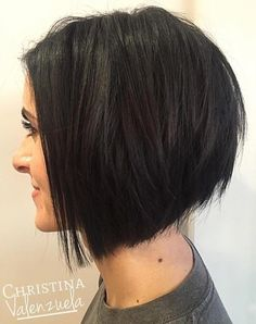 """It can not be repeated enough, bob is one of the most versatile looks ever. We wear with style the French """"bob"""", a classic that gives your appearance a little je-ne-sais-quoi. Here is """"bob"""" Despite its unpretentious… Continue Reading → Stacked Bob Hairstyles, Hairstyles Haircuts, Braided Hairstyles, Angled Bob Haircuts, Pixie Haircuts, Layered Haircuts, Medium Hairstyles, Formal Hairstyles, Wedding Hairstyles"""