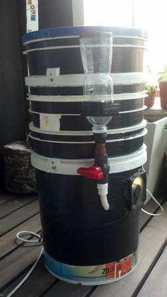 A semi-automatic watering system for your marijuana Space Bucket. Source: http://www.growweedeasy.com/marijuana-space-buckets
