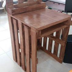 Paletten eskitme tekniğiyle çalışma masası yapımı.