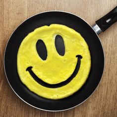 Hot Sale Silicone Egg & Pancake Rings For Breakfast Smile Face Egg Molds Creative Omelette Mould Cooking Tools KItchen Gadgets Rainbow Pancakes, No Egg Pancakes, Breakfast Pancakes, Tasty Pancakes, Pancake Face, Omelettes, Smileys, Emoji Cara Feliz, Al Dente