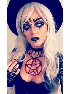 25 scary but cute makeup ideas for Halloween .- 25 scary but cute makeup ideas for Halloween - Maquillage Halloween Clown, Creepy Halloween Makeup, Halloween Inspo, Halloween Makeup Looks, Halloween Halloween, Halloween Witch Costumes, Pretty Halloween, Halloween Images, White Contacts Halloween