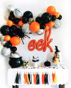 Eek! Balloon decor for an amazing Halloween party.