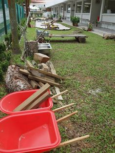 "Look at all these lovely resources for outdoor creativity at Blue House International School ("",)"