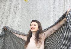 Kamila Boudová zpomaluje módu, ale i svůj život. Jak žít ve stylu slow-fashion? Photography, Tops, Women, Fashion, Moda, Photograph, Fashion Styles, Fotografie, Photoshoot