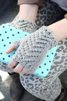 Knit chevron fingerless mitts