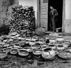 .Palas de Rei, 1961, Galice, Spain by Jean Dieuzaide. Learn Fine Art Photography - https://www.udemy.com/fine-art-photography/?couponCode=Pinterest22