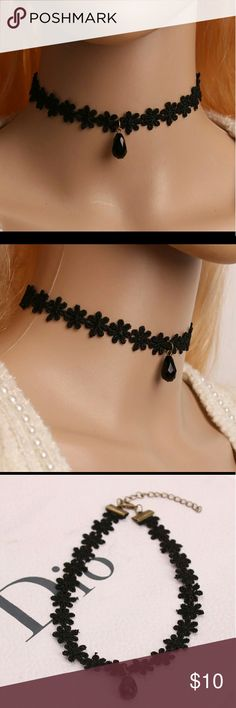 Floral lace choker Cute charm detailing in the center Jewelry Necklaces