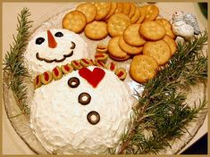 snowman cheese ball and crackers