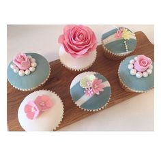'🌸 Throw 🔙 to one of my fave cupcake sets 🌸 • • •  #cake #cupcake #cupcakes #bake #baking #sugar #roses #sugarroses #sugarcraft #food #foodporn #cakedecorating #cakedesign #flowers #vanilla #buttercream #fondant #london #birthday #dollysdelights #pink #cakesofinstagram #instacakes #summer #sun #cakemaking #art #wedding #smallbusiness' by @dollys.delights.  #bridesmaid #невеста #parties #catering #venues #entertainment #eventstyling #bridalmakeup #couture #bridalhair #bridalstyle…