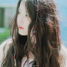 아이유 스무살의 봄 하루끝 MV Do not re-edit / crop the logo Iu Gif, Crying Gif, Korean Star, Asian Actors, Celebs, Celebrities, Little Sisters, Actors & Actresses, Korean Fashion
