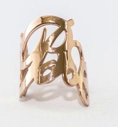 dd0507643d11b0 Anello con iniziale, in argento placcato oro rosa disponibili tutte le  lettere