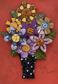 Flower vase by Angela Ibbs Mosaics at BreezyB5, via Flickr