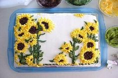 Sunflower Cupcakes, Sunflower Cakes, How To Make Sunflower Cakes and Cupcakes, Cupcake Recipes, Cake Recipes