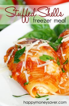 Ever wonder how to make Stuffed Shells? This meal is amazingly delicious and a family favorite! Best part? Double it and freeze for a yummy freezer meal!| happymoneysaver.com