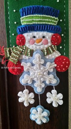 Felt Stocking, Christmas Crafts, Christmas Ornaments, Snowmen, Holidays And Events, Christmas Stockings, Party Themes, Mary, Quilts