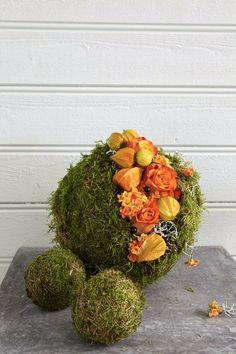 DIY - Lag selv dekorerte oasiskuler i høstfarger ©FOTO. Mester Grønn Home Projects, Floral Wreath, Indoor, Wreaths, Halloween, Advent, Flowers, Plants, Blog
