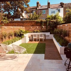 [New] The 10 Best Home Decor (with Pictures) – HAPPY FRIDAY This Before and After from a garden we designed and built during a full refurb we did in East Dulwich. We designed the built in seating area to the rear of…Read Small Courtyard Gardens, Small Backyard Gardens, Backyard Patio Designs, Small Backyard Landscaping, Garden Spaces, Small City Garden, Back Garden Design, Modern Garden Design, Garden Landscape Design