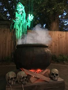 WITCHES CAULDRON COOLER Halloween Projects, Halloween Diy, Halloween Decorations, Chalkboard Spray Paint, Diy Cooler, Pipe Insulation, Party Supply Store, Witches Cauldron, Black Bucket