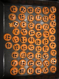 Halloween Cookies, Plates, Cake, Licence Plates, Dishes, Griddles, Kuchen, Dish, Torte